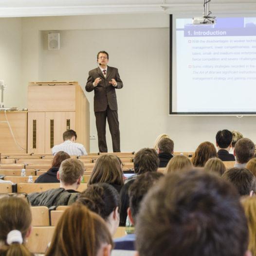 První zahraniční konference naší školy se koná v Pekingu
