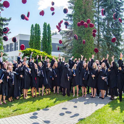 VŠTE má 340 nových absolventů. Poprvé i z Centra technických studií v Táboře