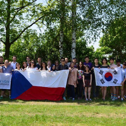 Zahraniční studenti objevují VŠTE. Přijely jich další čtyři desítky