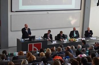 Na ekonomické konferenci VŠTE vystoupí Drábová, Kužel, Kulhánek