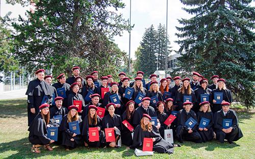 Máme 489 nových absolventů!