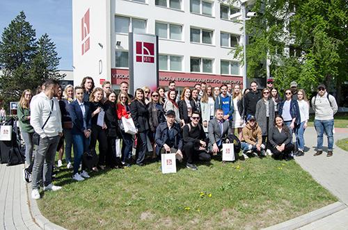 Zahraniční studentské týmy v rámci IBW řešily, jak úspěšně podnikat
