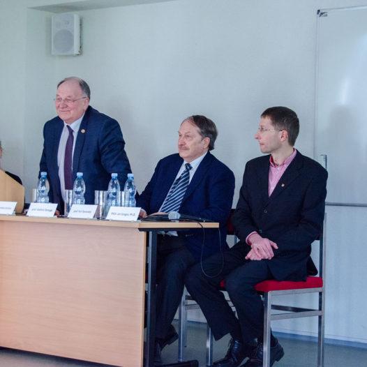 """""""Máte budoucnost ve svých rukách…"""" řekl studentům naší školy profesor Jurij V. Tavrovskij"""