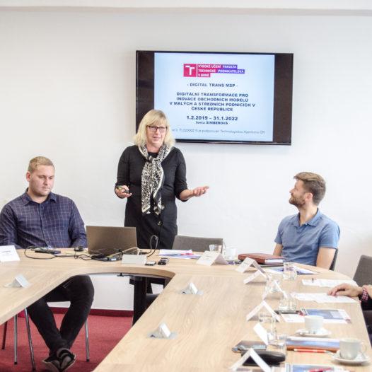 Na VŠTE proběhl odborný workshop k projektu Digitální transformace pro inovace obchodních modelů v malých a středních podnicích v České republice